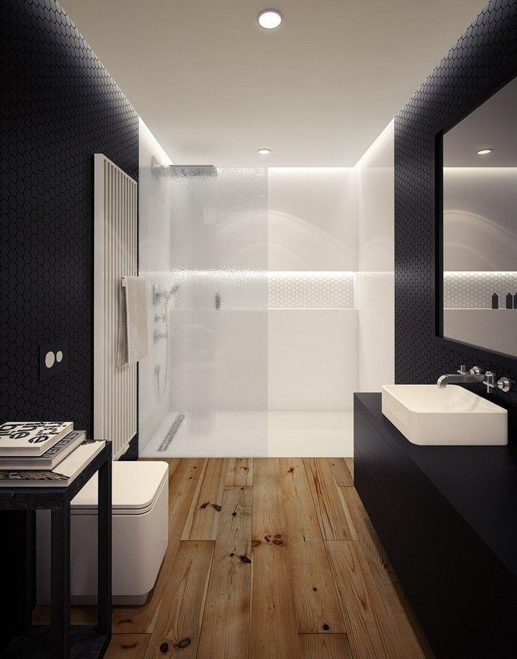 ebenerdige Dusche mit Glaswand in Weiß durch Beleuchtung betont - badezimmer nur mit dusche