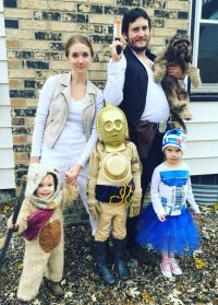 Star Wars family costumes- C3Po, R2, ewok, chewy the dog ...