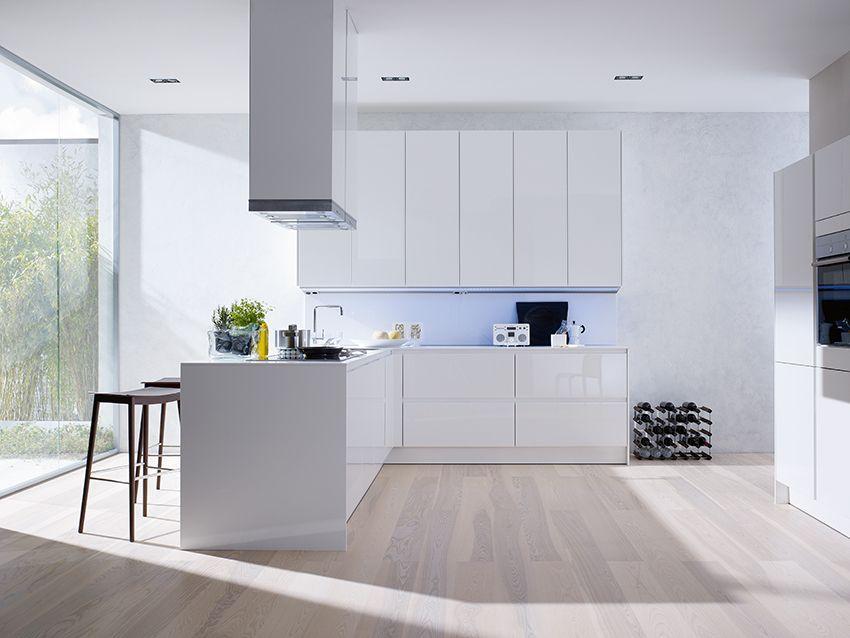 SieMatic Küche S3 Weiß Mit Raumhohen Hochschränken Klares Design