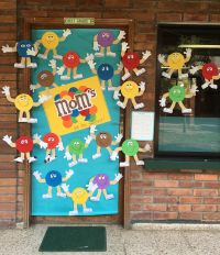 Mother's Day door decoration- Mom's are the Sweetest ...