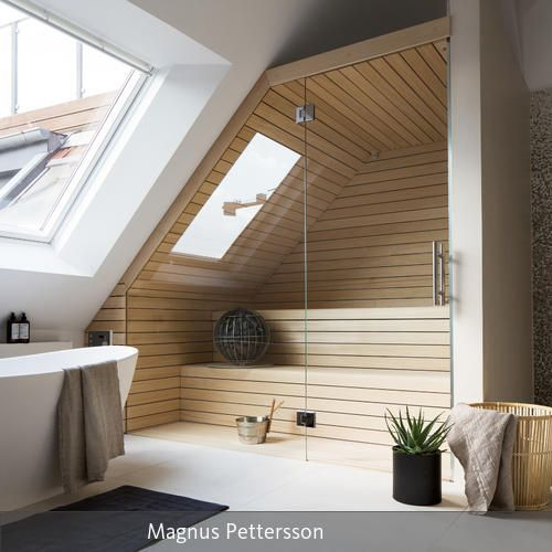 Dachgeschoss Einbau einer Holzsaune mit Glasfront im Badezimmer - badezimmer einbau
