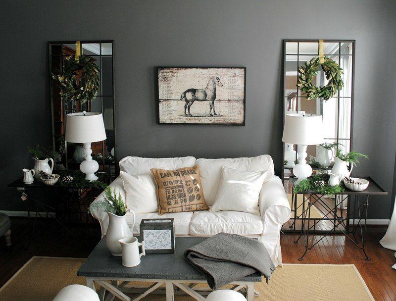 Graue Wandfarbe kombiniert mit Spiegel als Deko im Wohnzimmer - creme graues wohnzimmer