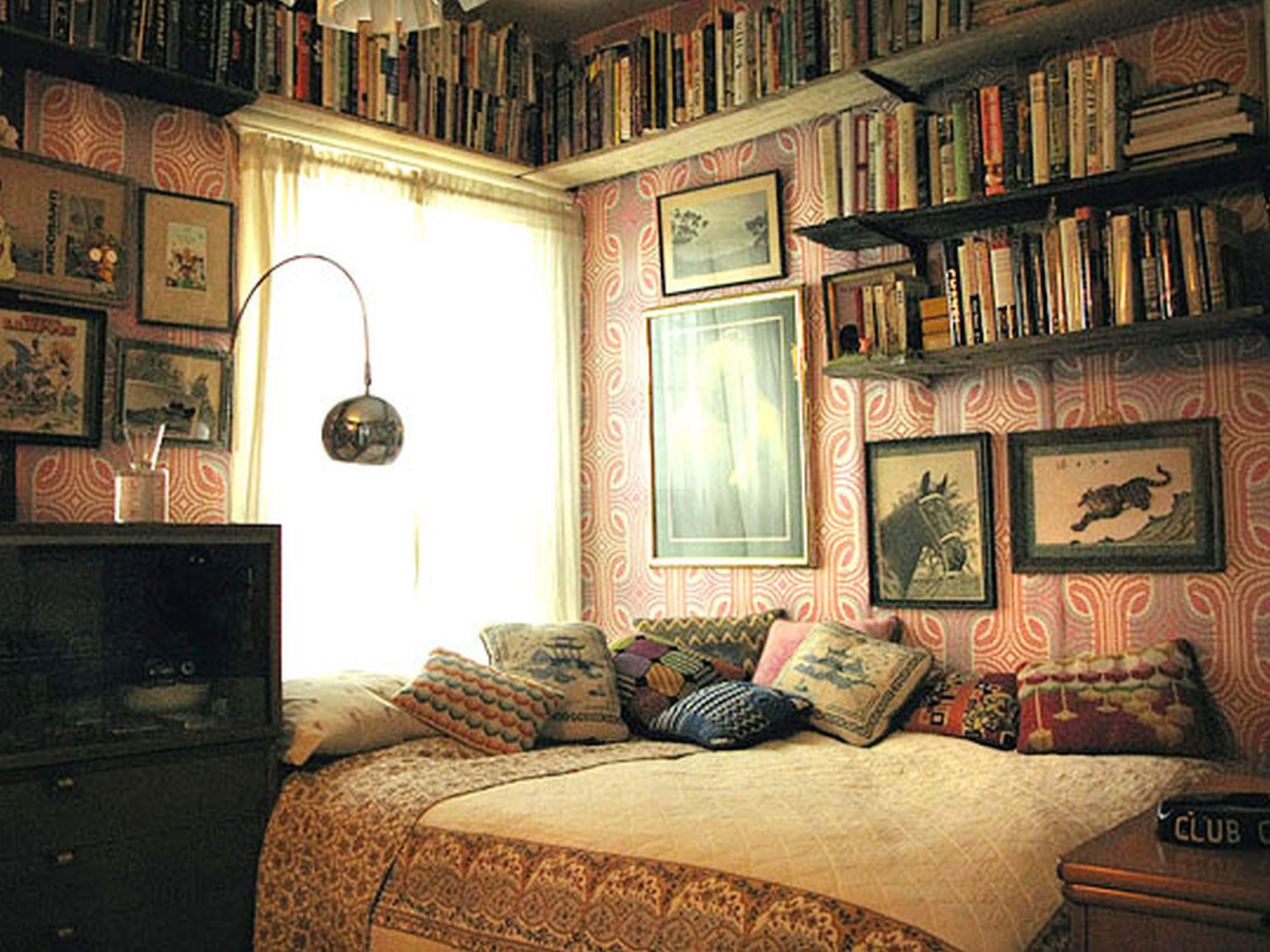 Besf of ideas decorating interior home design with vintage room ideas bookshelving on pink wall paint decoration arc floor lamp glass window black color
