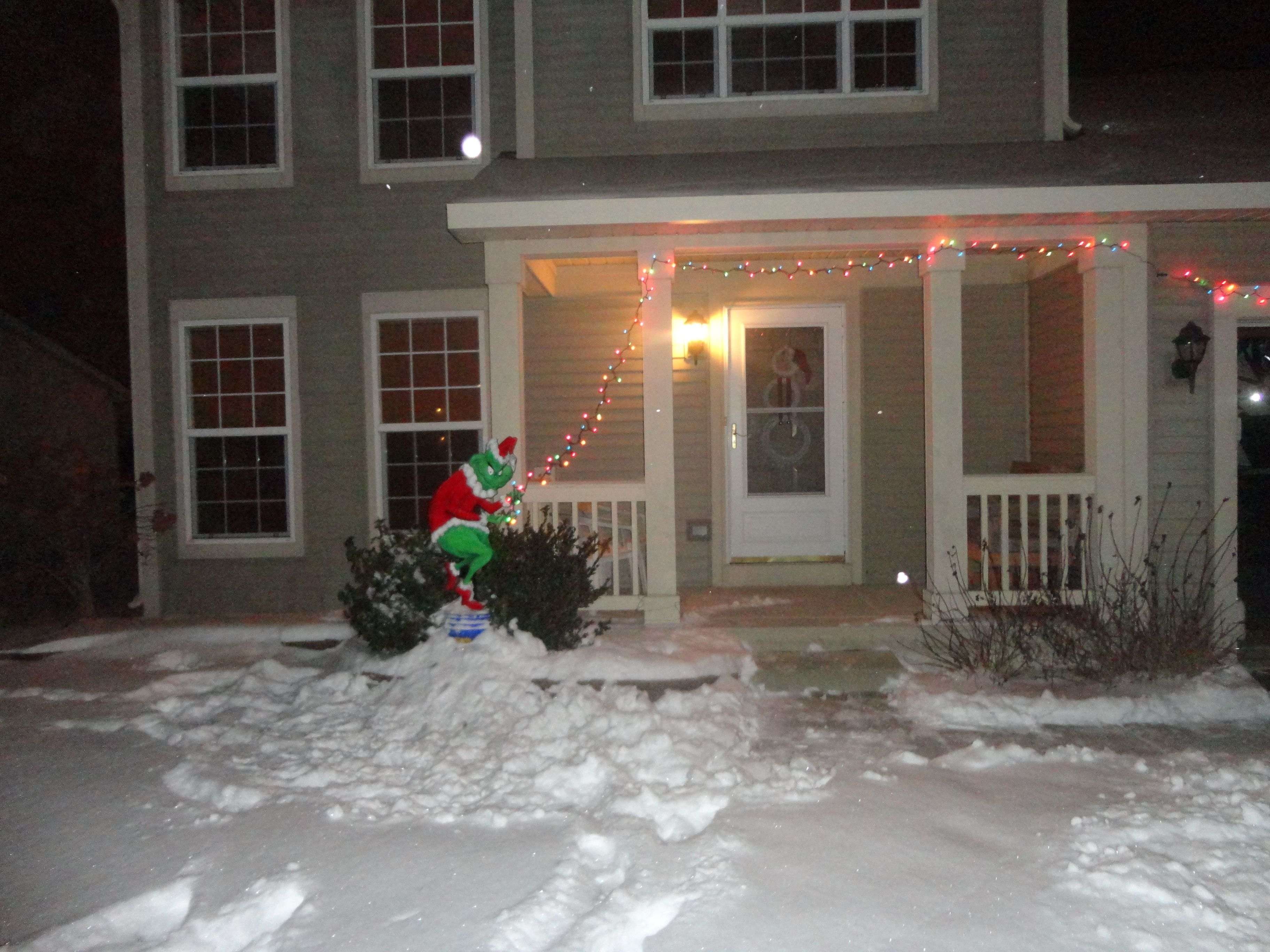 How the grinch stole christmas outside decor i want to do this to my house