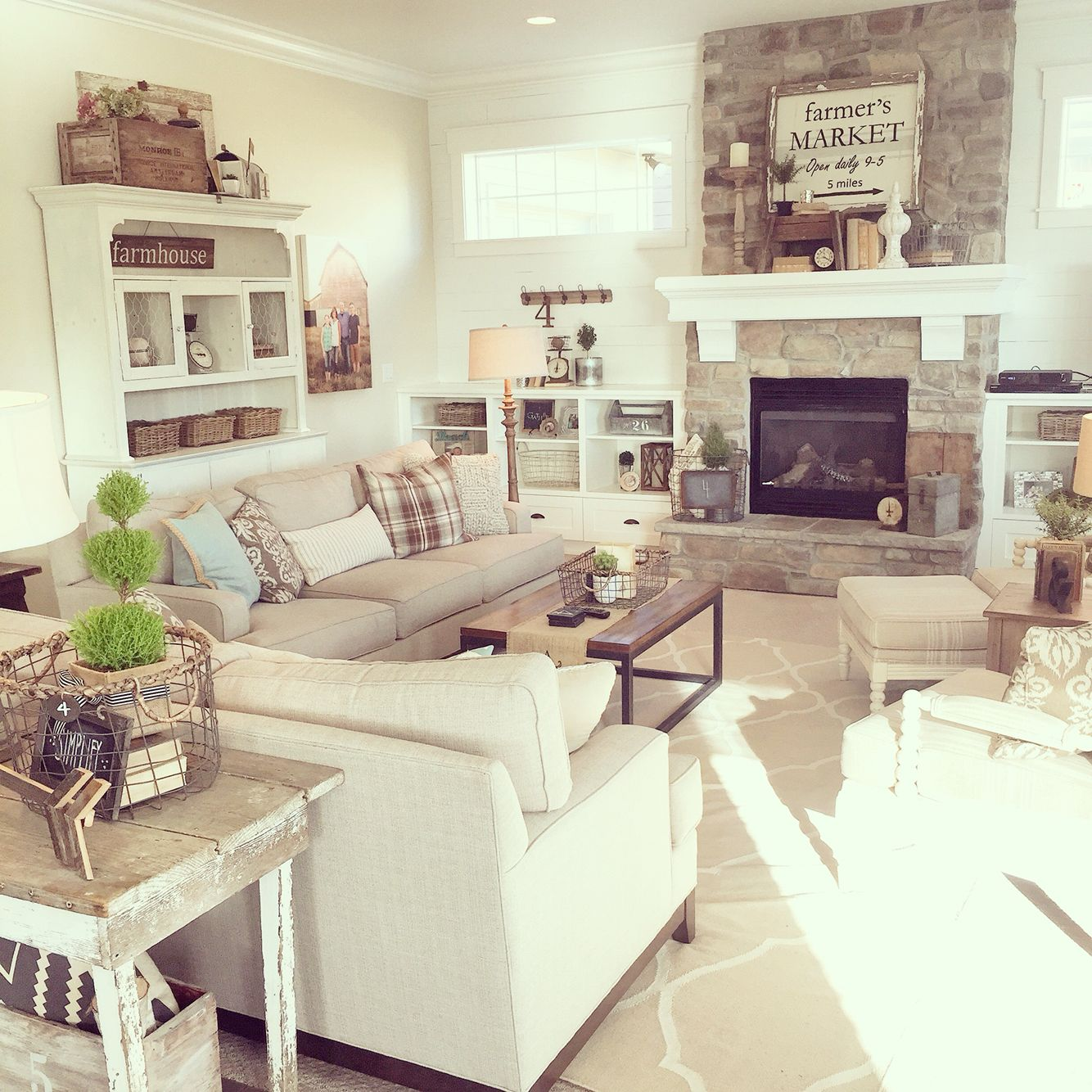Images Of Modern Farmhouse Interiors A Neutral Palette Lots Of Texture Modern Farmhouse