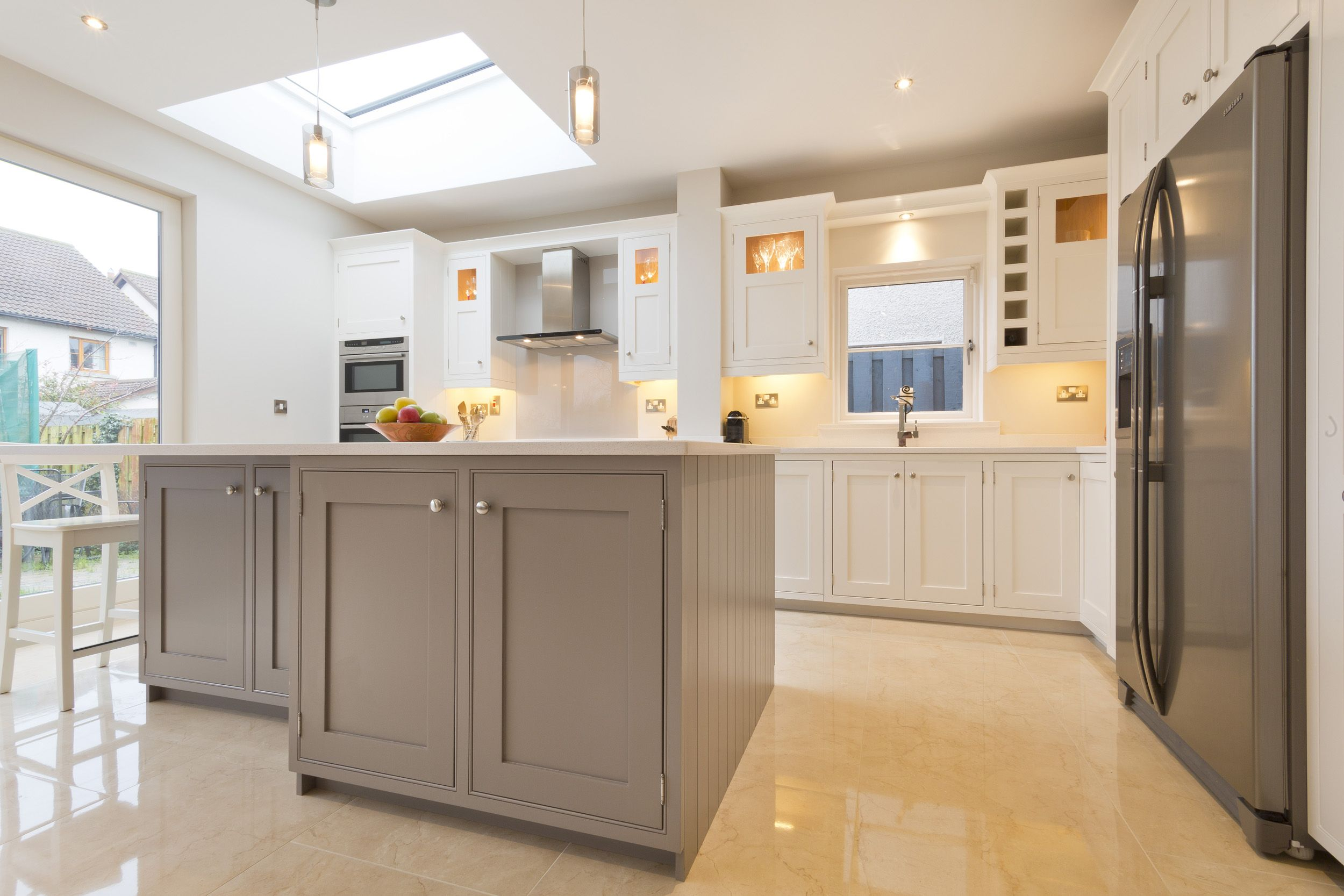 Strong White Farrow And Ball An In Frame Kitchen With A Shaker Door Painted In Strong