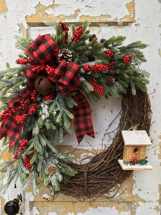 Elegant Rustic Christmas Wreaths Decoration Ideas To Celebrate - christmas wreath decorations