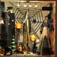 Creative halloween window displays ... #Halloween #scary # ...