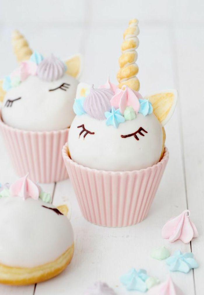 Beispiel Für Drei Kleine Weißen Einhorn Kuchen Leckere Torten   Category  Kuchen Dekoo Continued