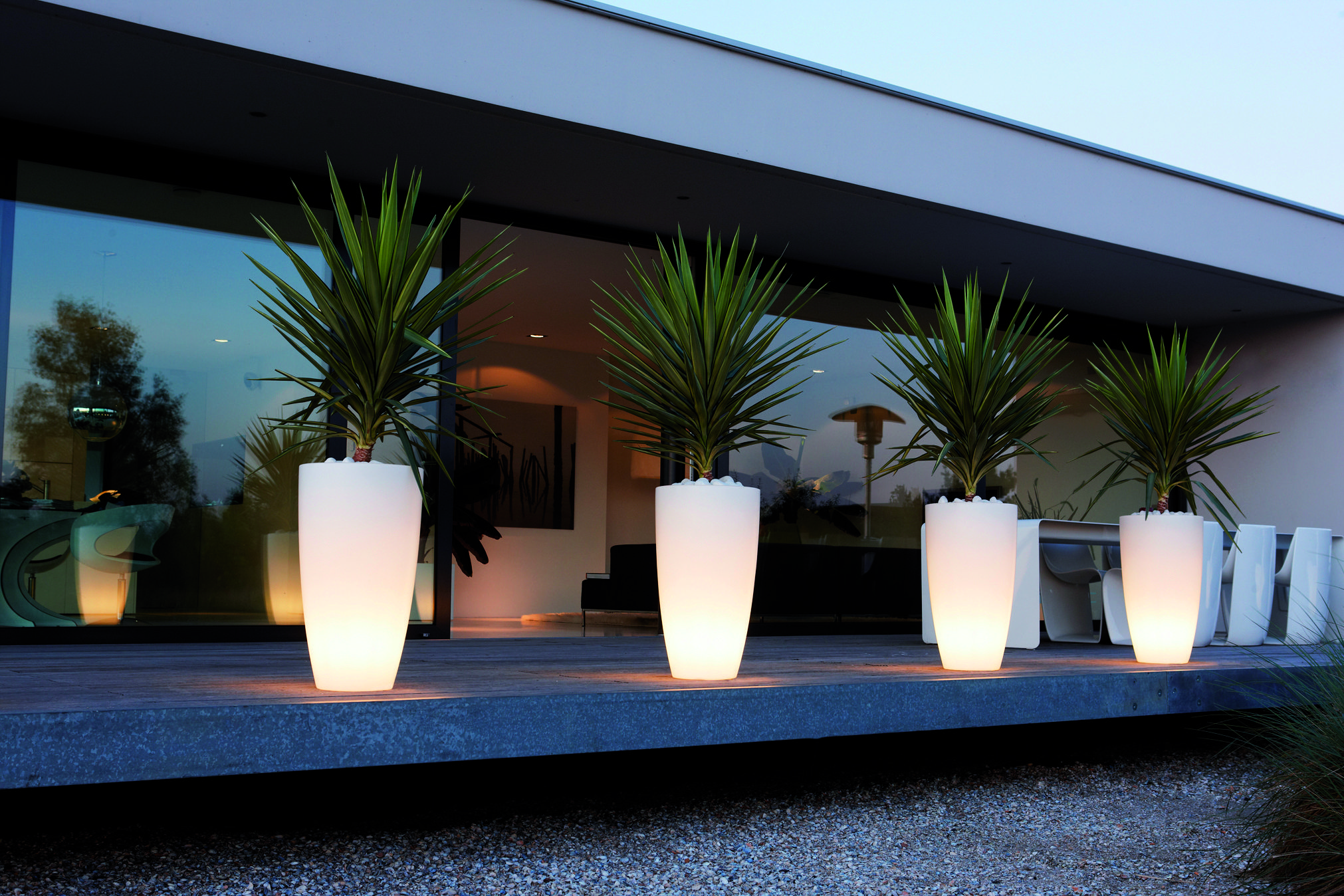 Solar Blumentopf Elho Led Light Up Plant Pots Create An Atmosphere In