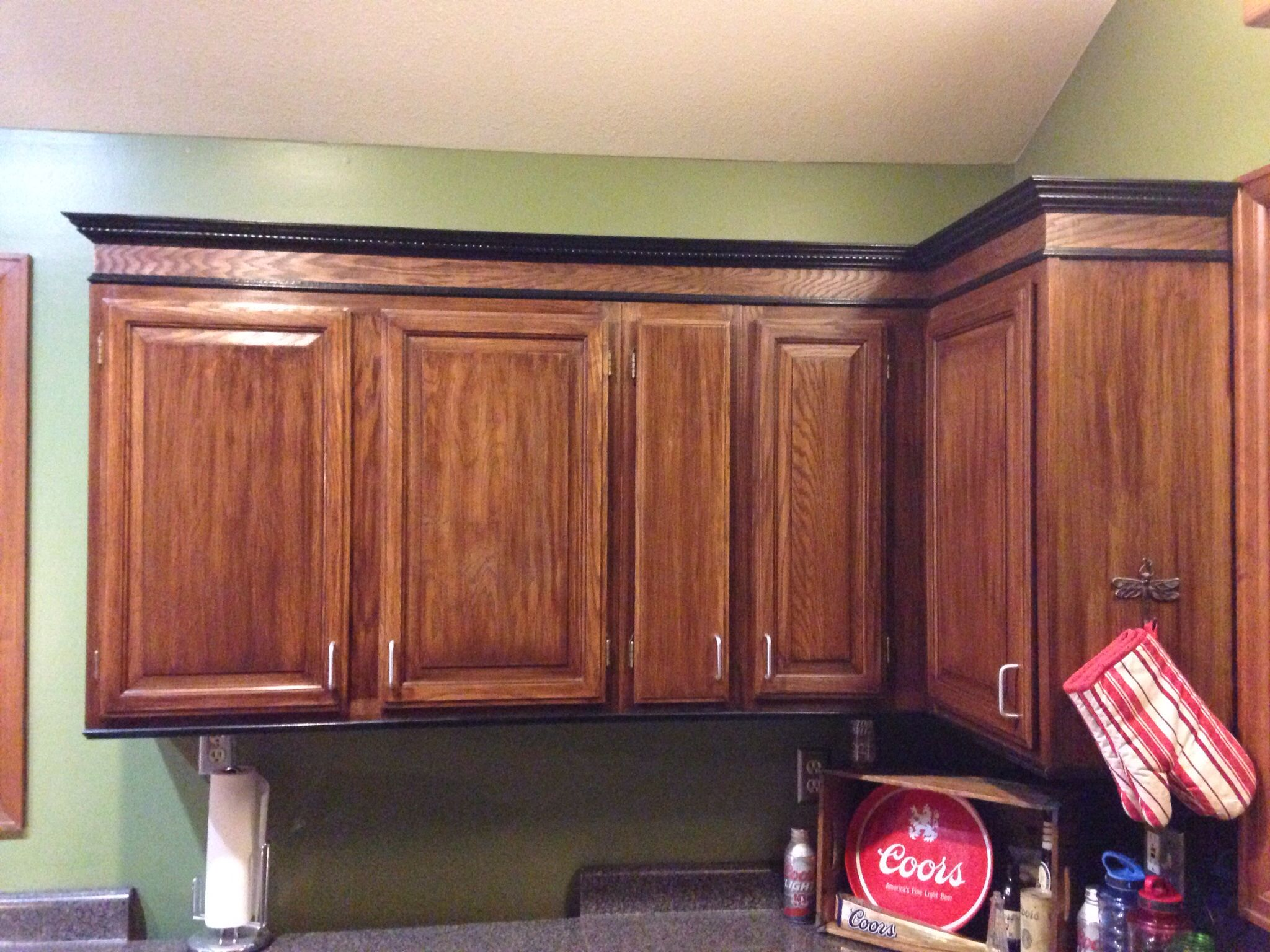 Oak Kitchen Cabinets Dark Stain Just Stained The Honey Oak Cabinets Darker And Added Trim
