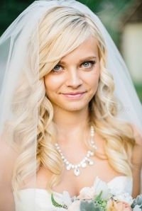 hair down wedding hairstyle with veil | wedding hair ...