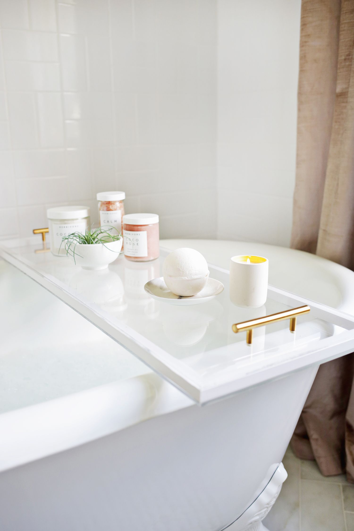 Bathroom Caddy Lucite Bathtub Caddy Diy Click Through For More Iso