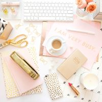 25 Desk Accessories That Will Make Your Workspace Chic AF ...