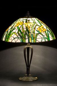 Tiffany daffodil stained glass lamp. Table lampshade ...