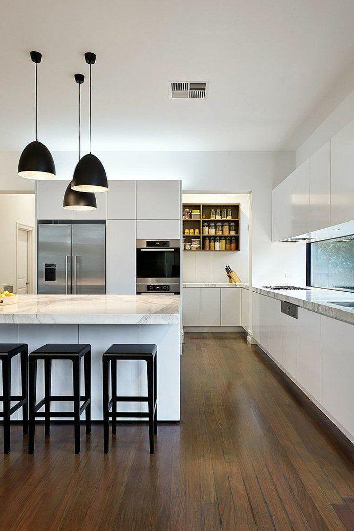 moderne küche marmor schwarze barhocker pendelleuchten weiße - schwarze kuche tipps bilder interieur