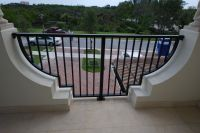curved balcony railing