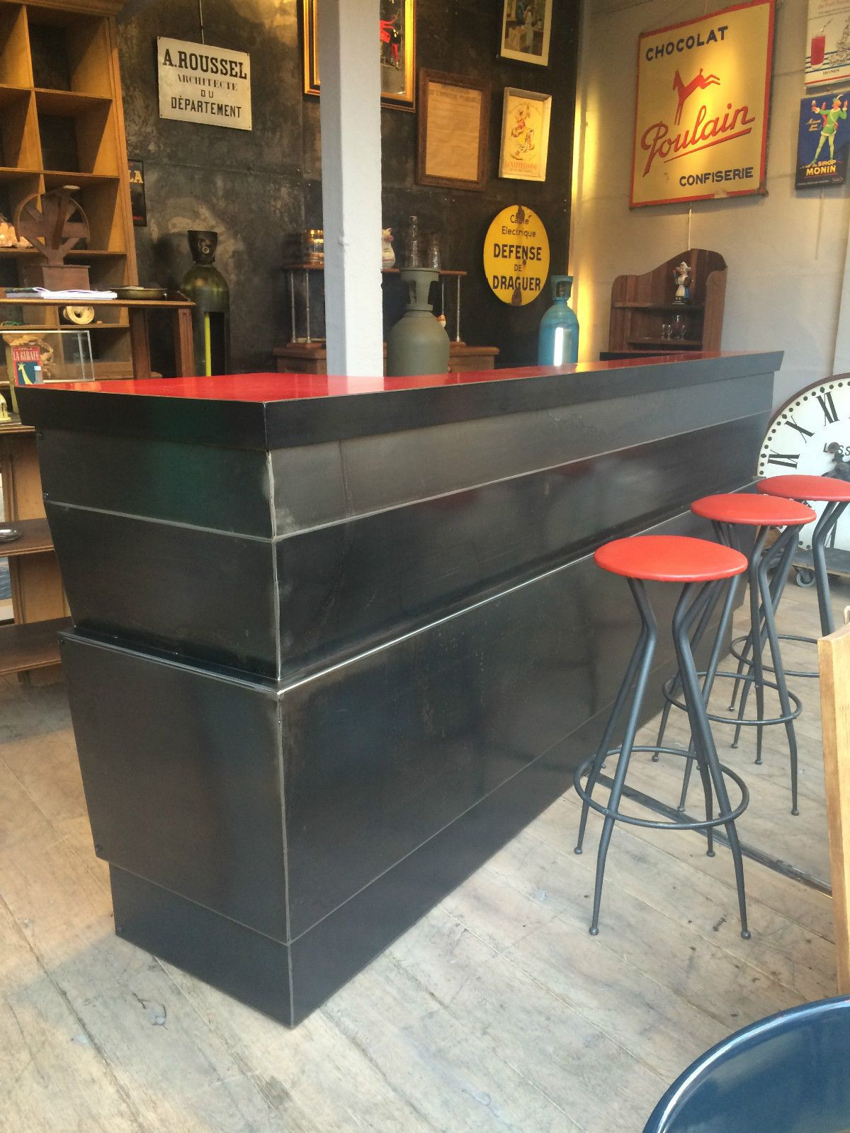 Tabourets De Bar Rue Du Commerce Bar En Formica Avec 3 Tabourets Creation De L 39artiste