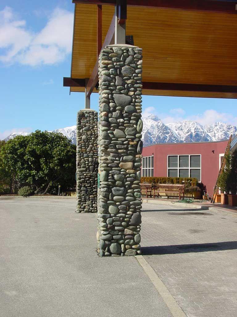building+rock+pillars