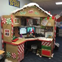Work desk decorations, Gingerbread desk Christmas Desk ...