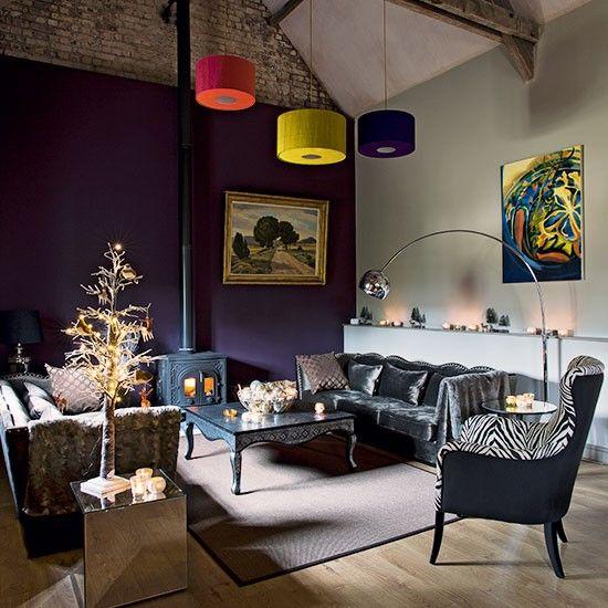 Purple living room with grey velvet sofa Living room decorating - purple and grey living room