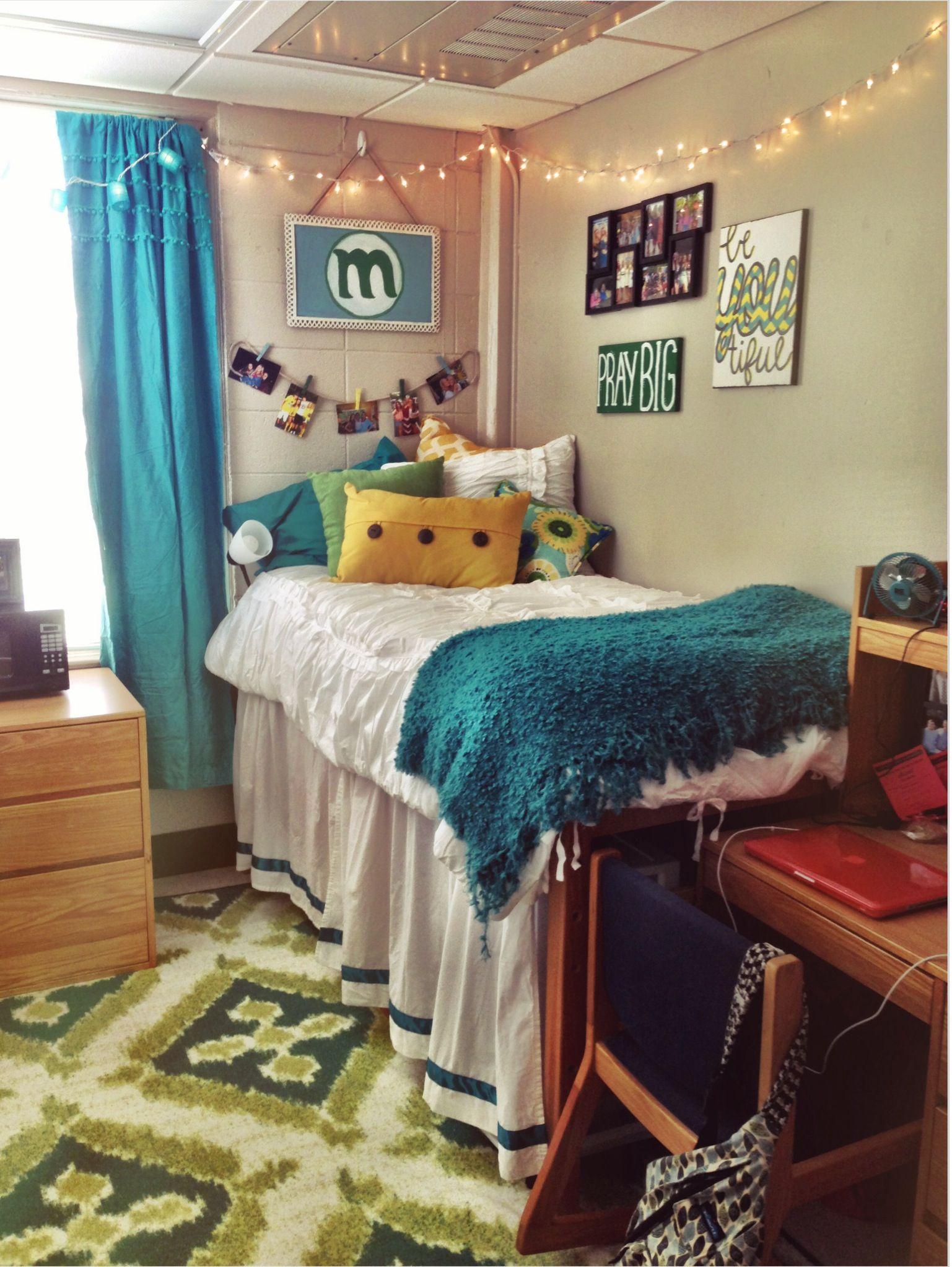 Blue Green Yellow Dorm Patterned Rug White Comforter