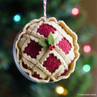 betz white | clever felt Christmas pie ornament using ...