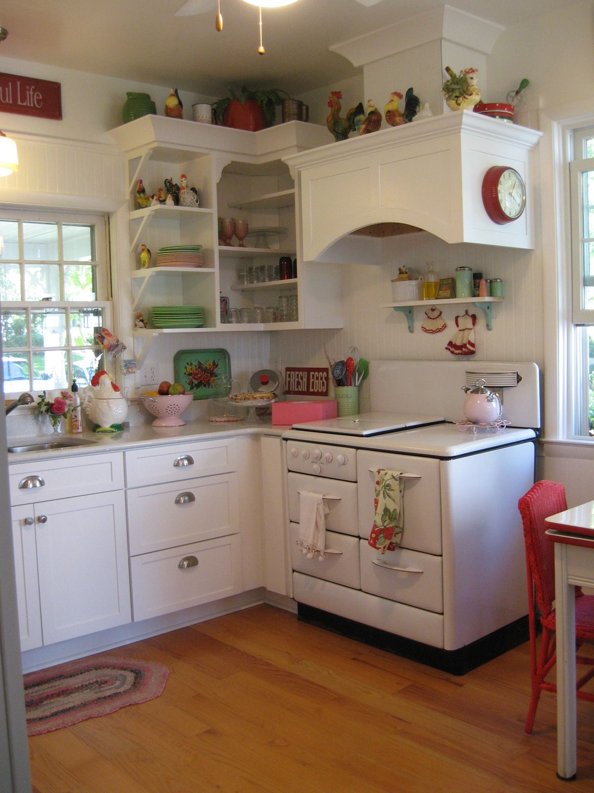 Retro Style Kitchen Vintage Style Kitchen Of Linda Hundt Owner Of Sweetie