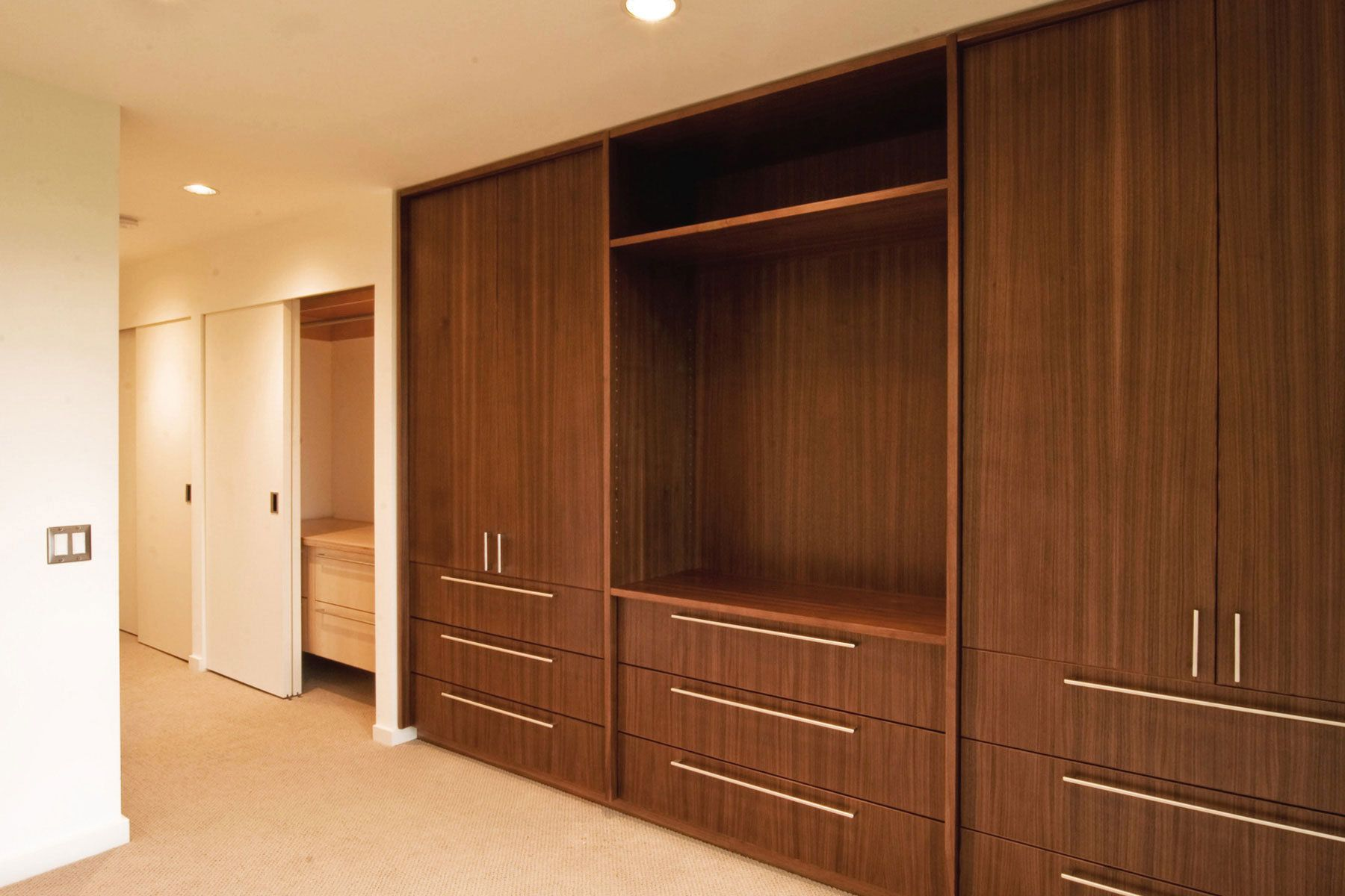 Cupboards Designs Drawers With Doors Above Similar To The Look Of The
