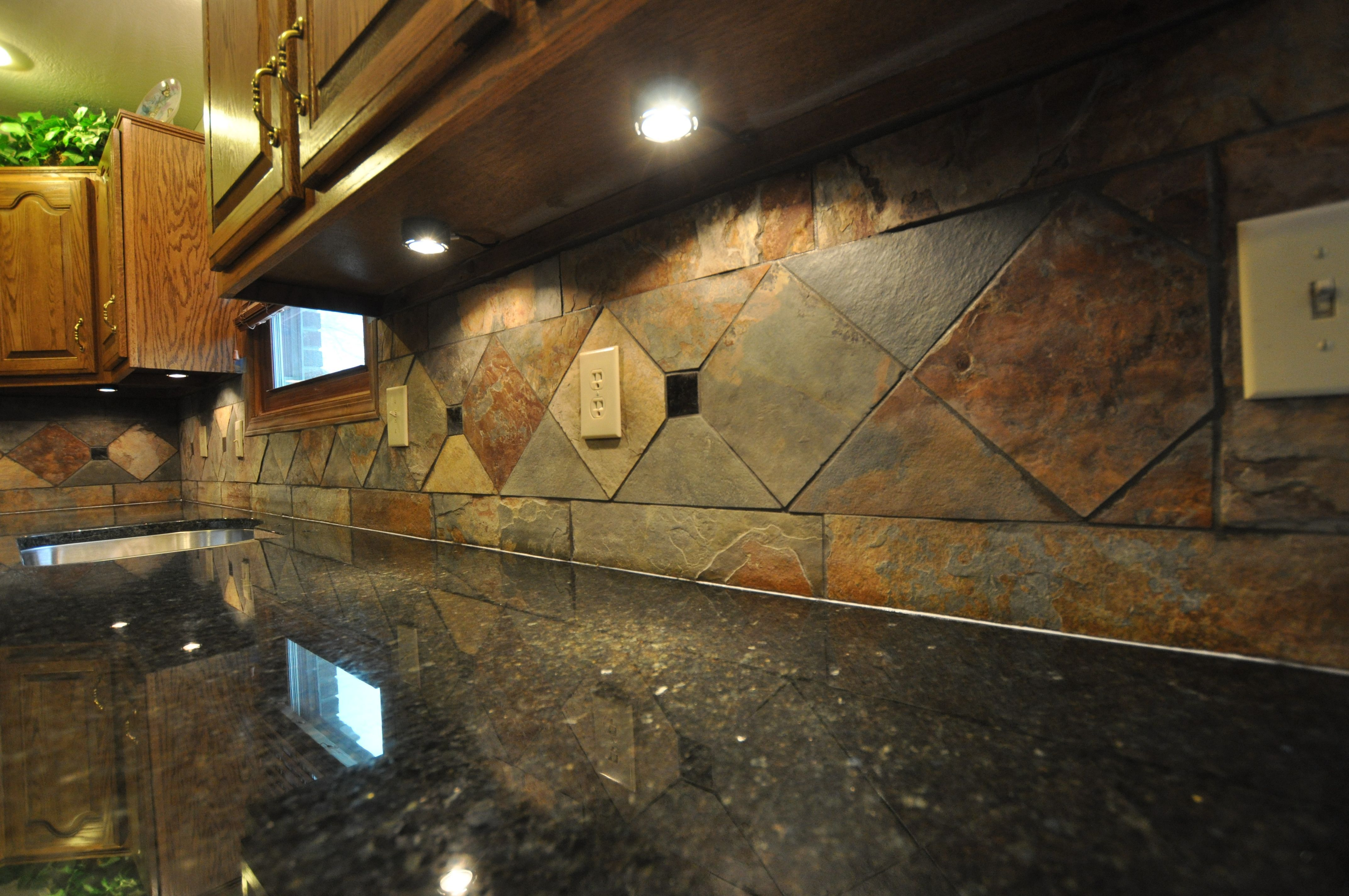 Ideas For Kitchen Backsplashes With Granite Countertops Obatuba 43granite 43countertops Natural Slate Tile