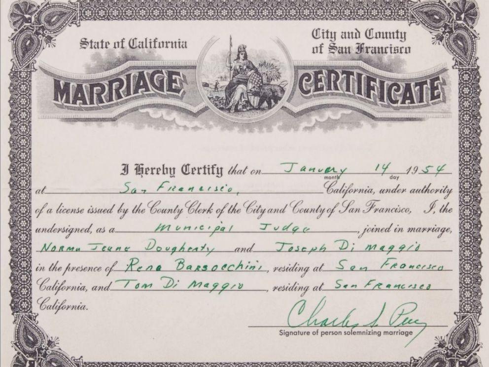 Marilyn Monroe, Joe DiMaggio\u0027s 1954 marriage certificate sells for