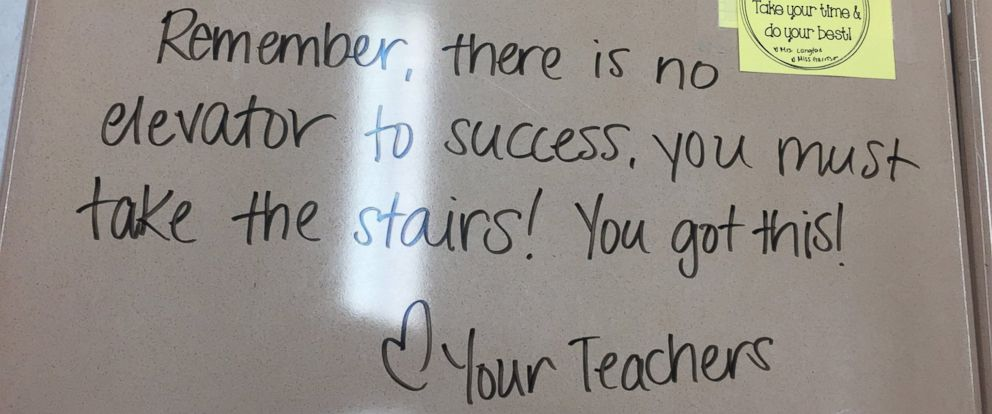 NJ Teacher Writes Encouraging Messages on Students\u0027 Desks Before