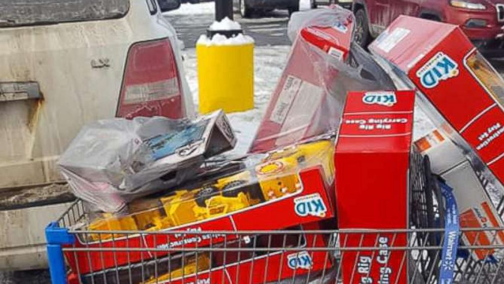 Anonymous man pays off all layaway items at a Vermont Walmart - ABC News