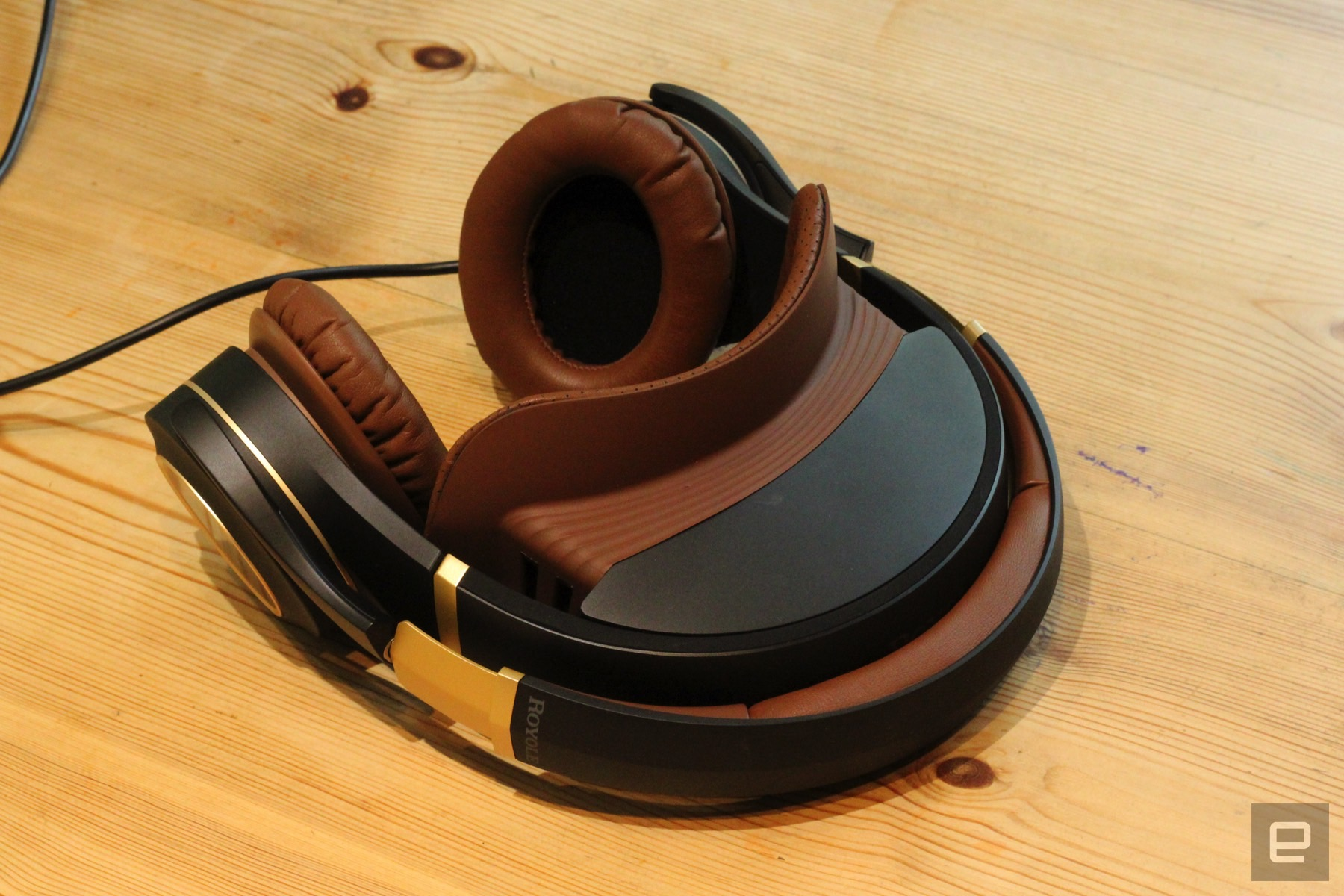 Royole Moon Royole S Personal Cinema Headset Carries A Heavy Premium