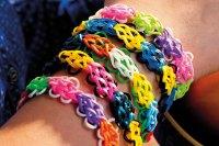 Loom Band Designs: How To Make A Flower Bracelet   HuffPost UK