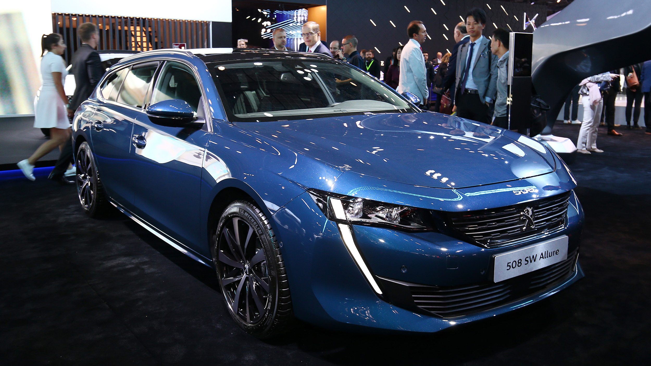 Garage Peugeot Paris 2019 Peugeot 508 Sw Allure Paris 2018 Photo Gallery Autoblog