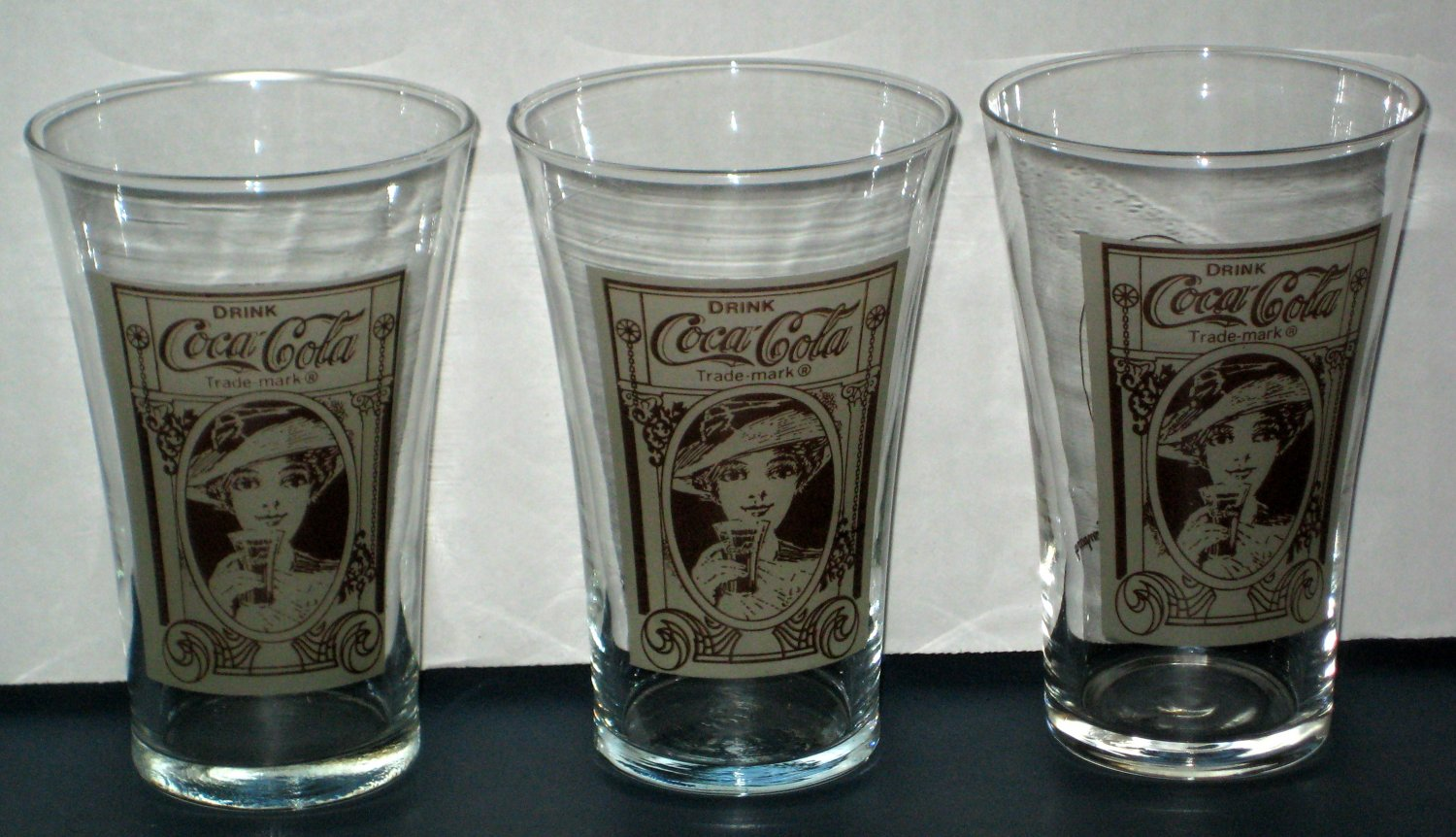 Drinking Glasses Designs Sold Coca Cola Flair Design Glass Lot Of 3 Coke Drinking