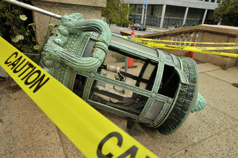 Historic Stamford Post Office Lamp Damaged Greenwichtime