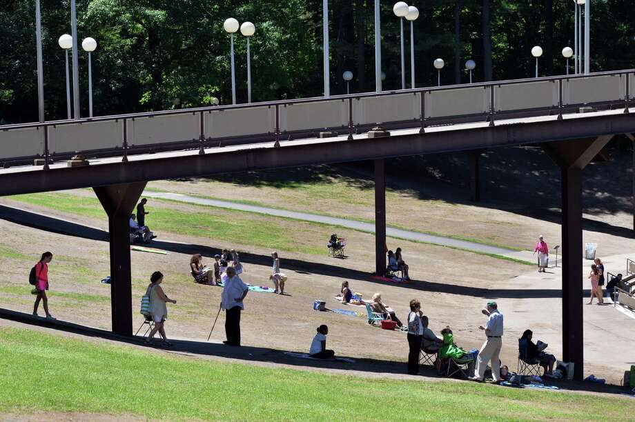 Weather, crowds take toll on SPAC lawn - Times Union