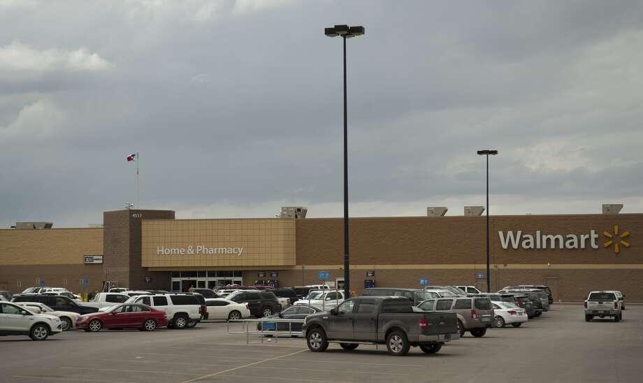 Texans blame secret military takeover for Walmart closings, secret