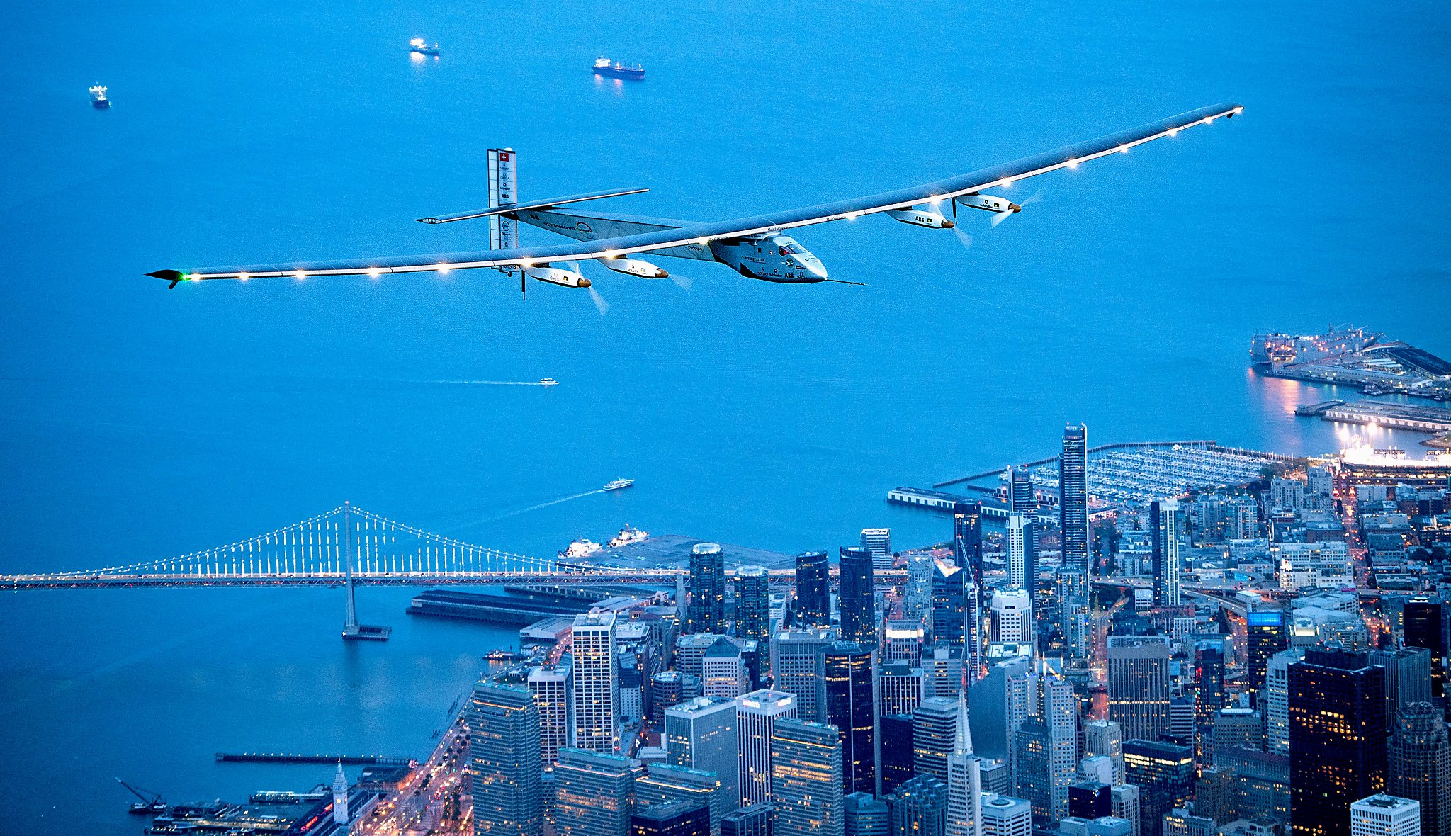 Solarplane Pool Willhaben Solar Plane Crosses Pacific To Bay Area On Trip Around The World