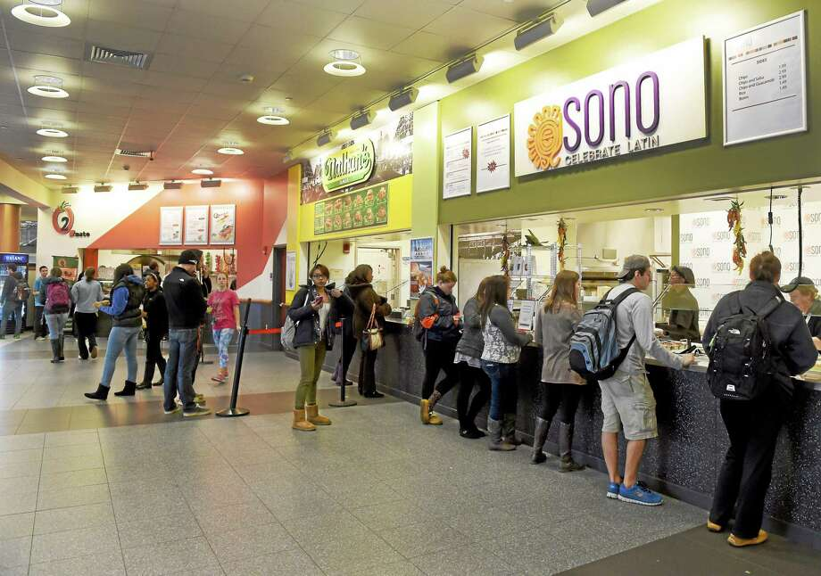 New food service contract at SCSU in New Haven could bring layoffs