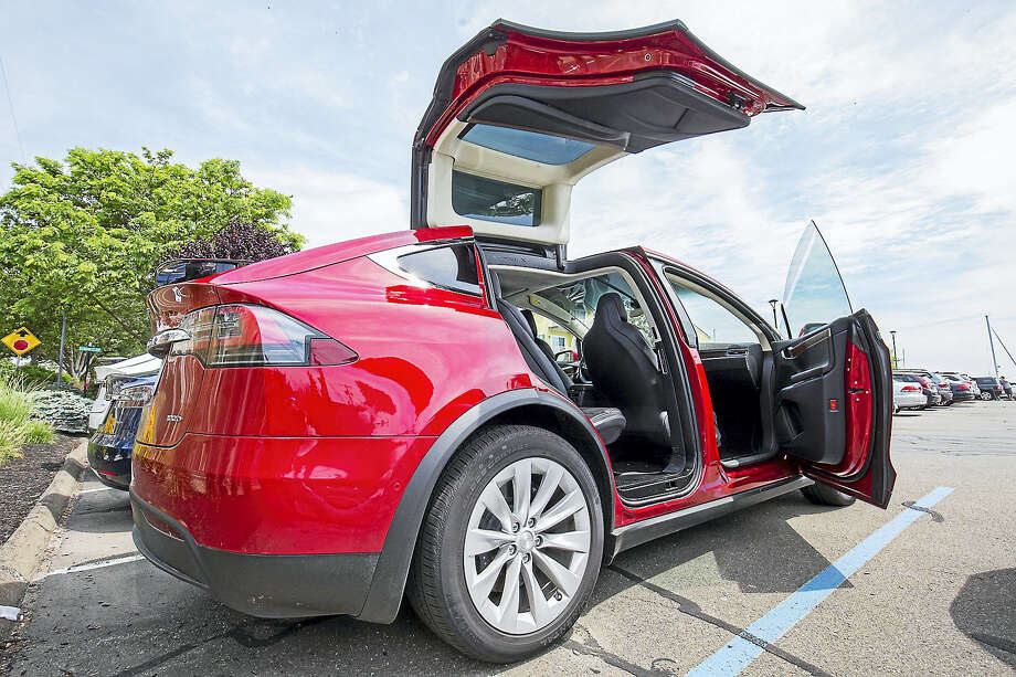 Test driving a Tesla It was \u0027Back to the Future\u0027 in Old Saybrook