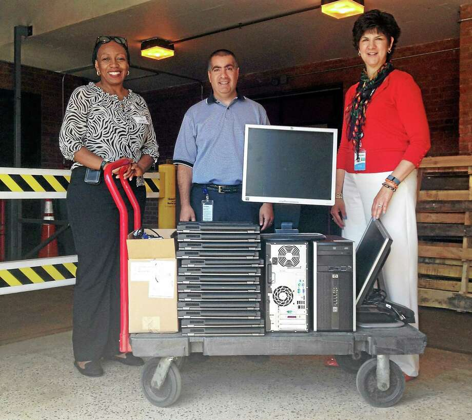 Eversource donates computers to Middlesex Community College - The