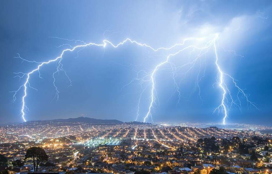 Catching lightning with photography - SFGate