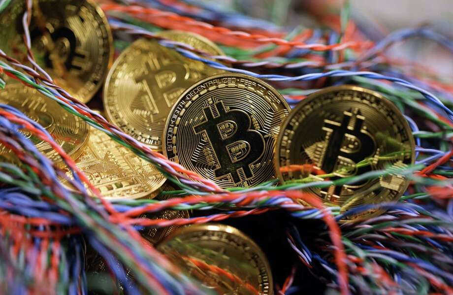 Digital coins resume selloff after one-day recovery fizzles - The