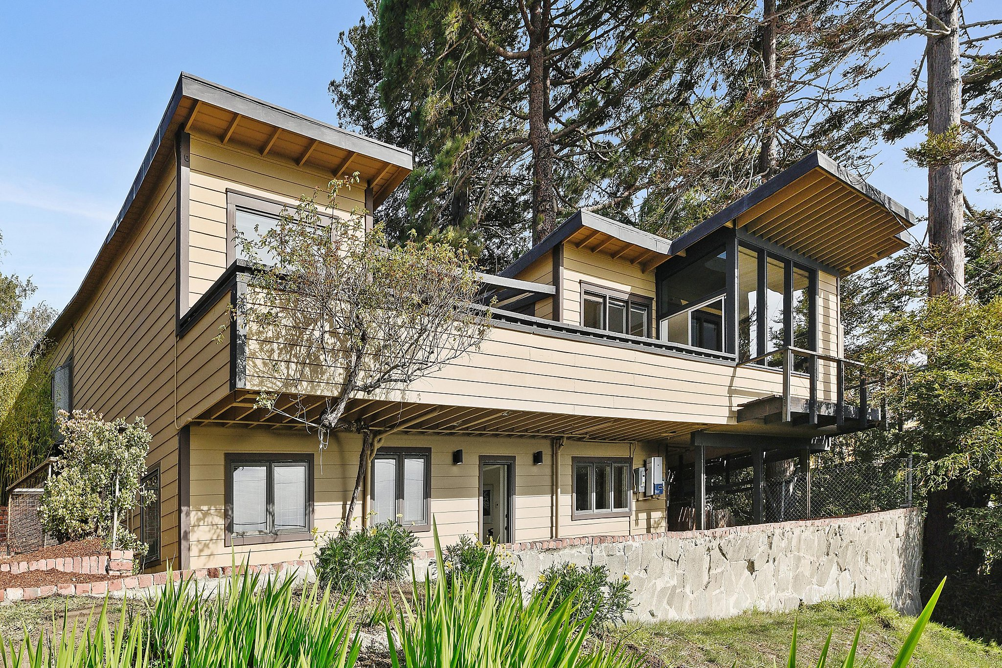 Hot Houses For Sale Hot Property Woodsy Modern Designed By William Wurster For Sale