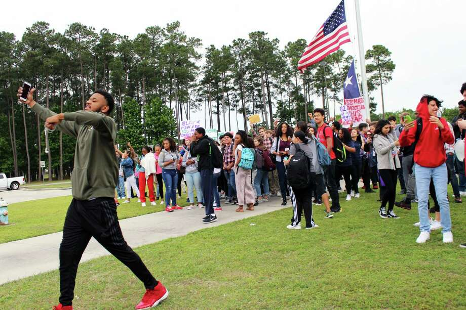 Atascocita High School students protest gun laws - Houston Chronicle - Columbine High School Football