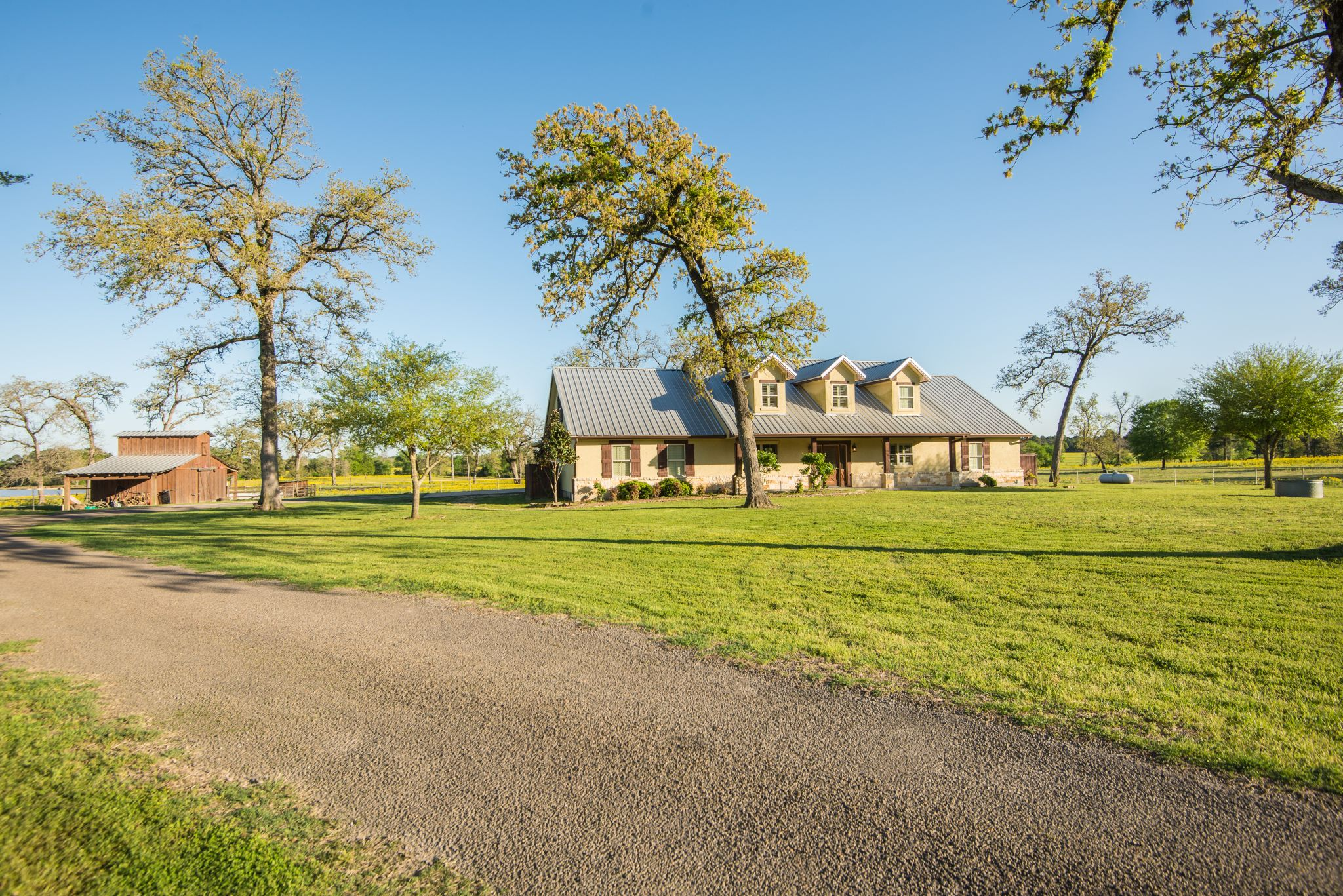 Farmhouse For Sale In Texas Saloon Private Lake And A Personal Peach Orchard All Come With