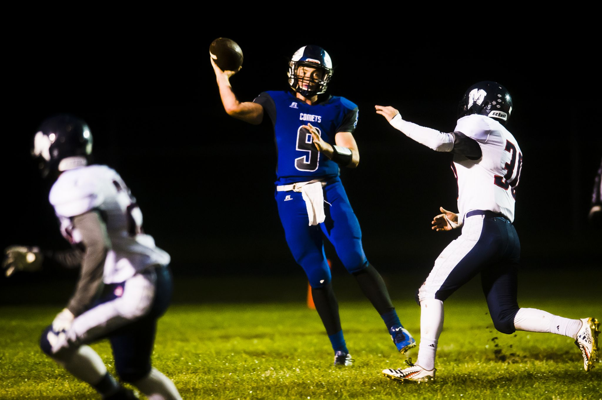 Spint Schrank Coleman Football Falls To Montabella Midland Daily News